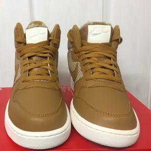 Brand new Nike court mid size 8.5